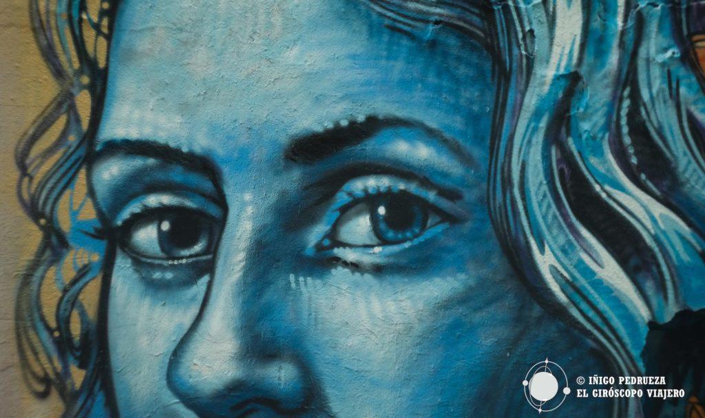 Graffiti en la pequeña calle de Haus Schwarzenberg. De todas maneras Berlin es una ciudad de arte urbano. ©Iñigo Pedrueza.