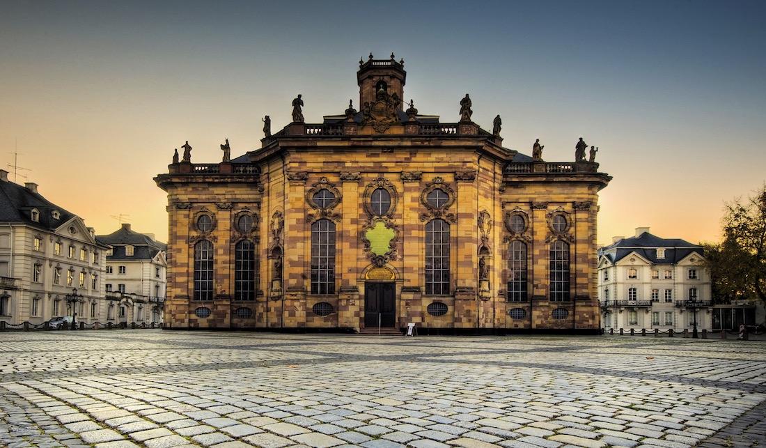 Iglesia de Ludwigskirche en Saarbrücken.