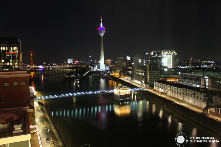 Vistas del barrio de Medienhafen en Düsseldorf